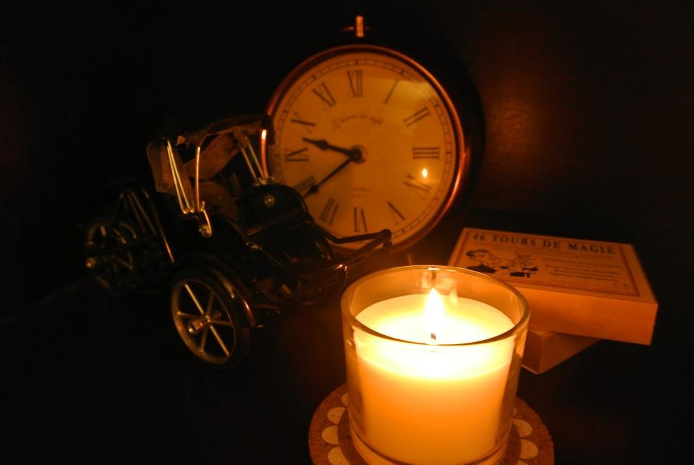 candle_with_clock